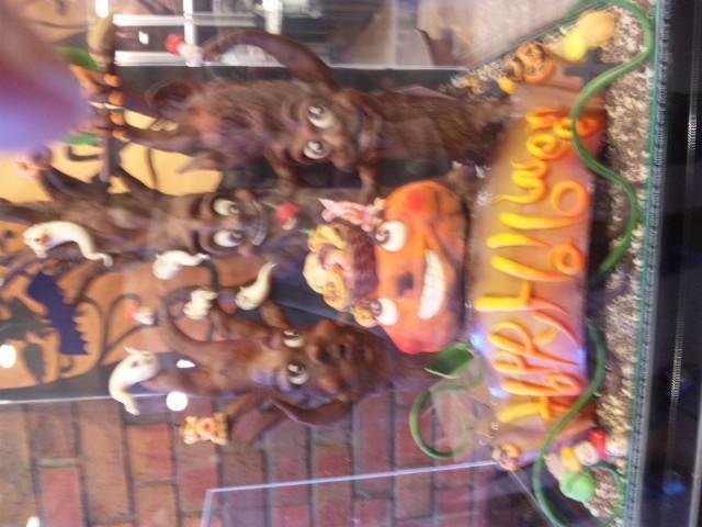 ハロウィンケーキとバウムクーヘン