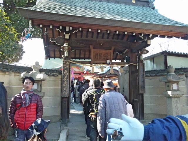 十日恵美須 阪急池田駅前の呉服神社に参拝。商売繁盛で笹持って来い!